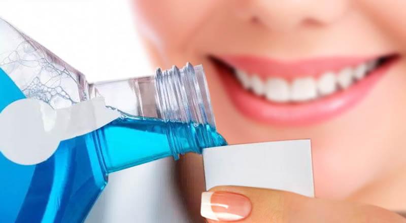 nước súc miệng cho người niềng răng