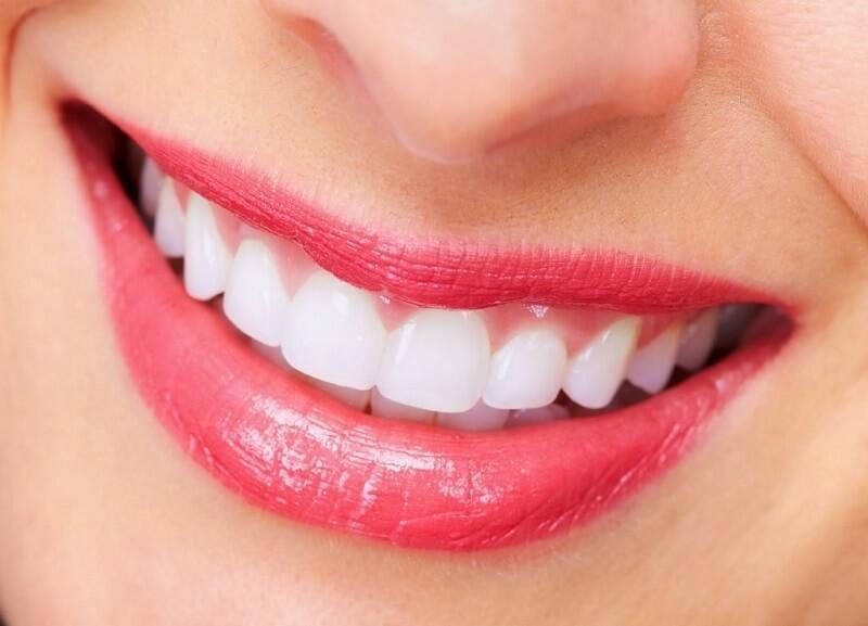 tẩy trắng răng bằng chanh